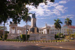 Avenida de los Presidentes de la Habana Avenue, Havana