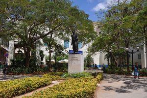 Simón Bolivar Statue in Calle Mercaderes Street