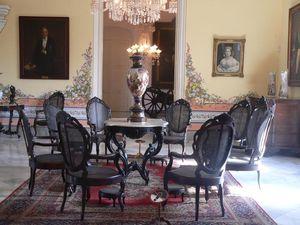 Exposición de mobiliario en el  Palacio de los Capitanes Generales, La Habana