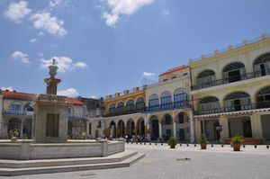 Fountain in Plaza Vieja Square, Havana