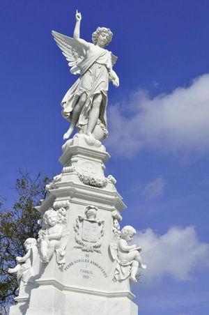 Necrópolis de Cristóbal Colón, Vedado