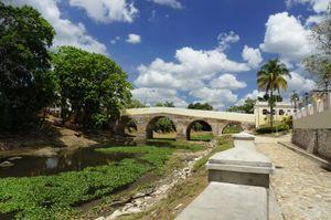 Puente del río Yayabo