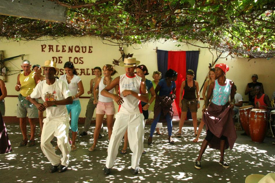 "Attēlu rezultāti vaicājumam ""trinidad cuba nightlife"""
